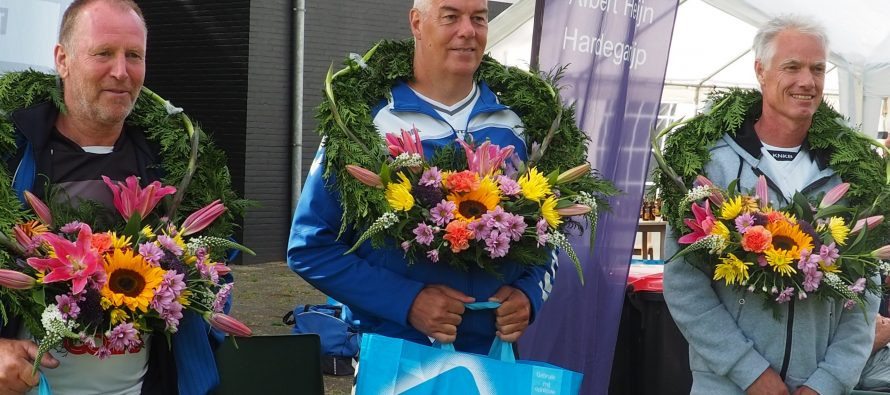 Partuur Piet Machiela wint A-klasse heren 50+ in Tytsjerk.