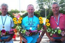 Partuur Jacob Kamstra wint bij de heren 50+ de A-klasse in Sint Jacobiparochie