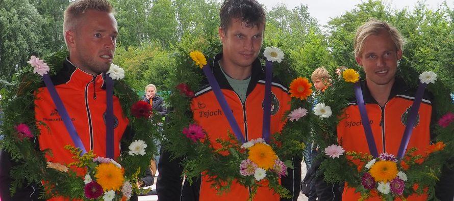 Partuur Gerrit Jan Duiven wint heren tweede klasse in Menaam